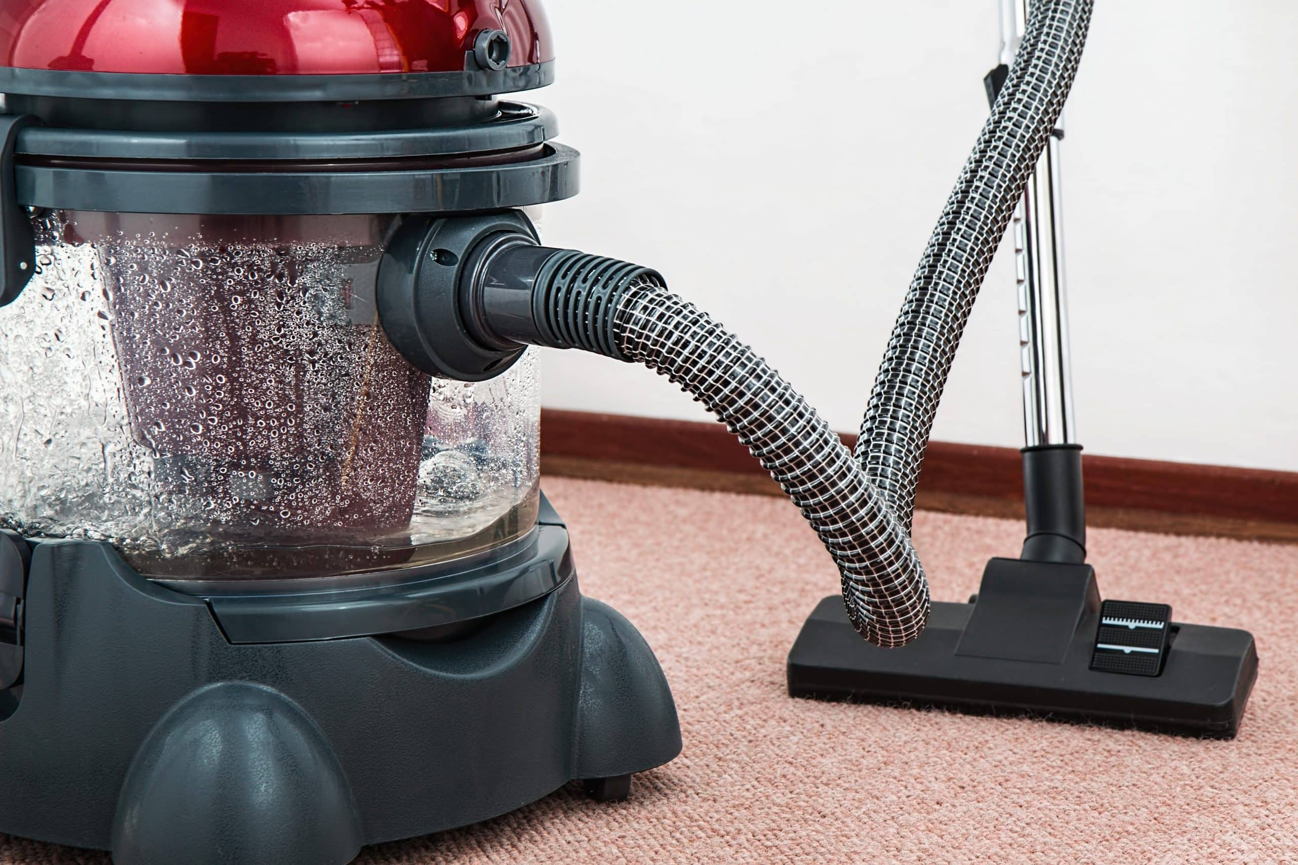 commercial vacuum for carpet cleaning and water damage